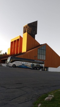 Cathédrale Gaspé et autocar JP